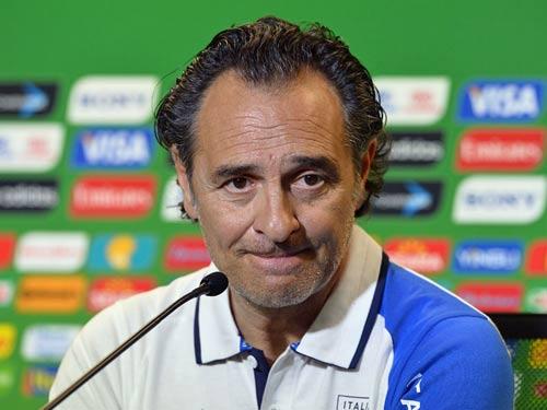 """ĐT Italia """"tả tơi"""" vào bán kết - 1"""