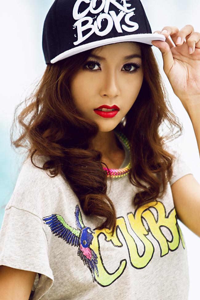 Cô sinh viên sở hữu chiều cao 1,72m từng gây ấn tượng tại cuộc thi Miss  Teen 2012.