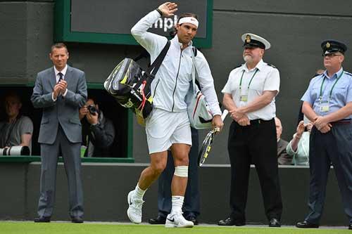 """Khi Nadal làm """"bò tót trên sân băng"""" - 1"""