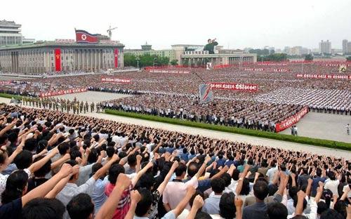 Triều Tiên: Tuần hành chống Mỹ quy mô lớn - 1
