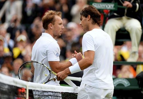 Tay vợt thắng Nadal xin bỏ cuộc - 1