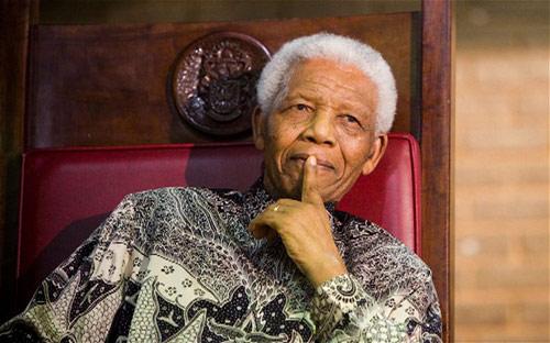 Mandela phải dùng máy duy trì sự sống - 1