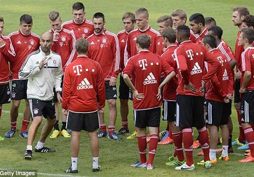 Pep & buổi tập đầu tiên tại Bayern - 1