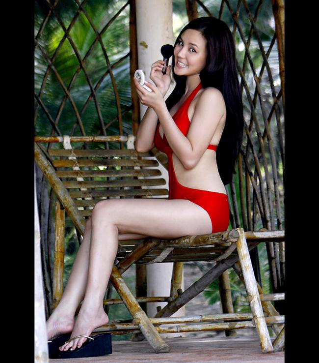 Vy Oanh tên thật Nguyễn Mỹ Oanh sinh ngày 28 tháng 9 năm 1985