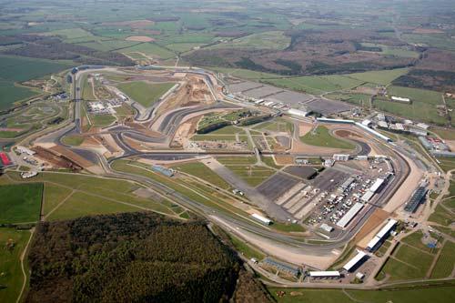 F1 - British GP: Lặng lẽ sân nhà - 1