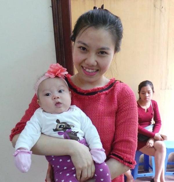 Sinh con sớm, 9X lóng ngóng làm mẹ - 1