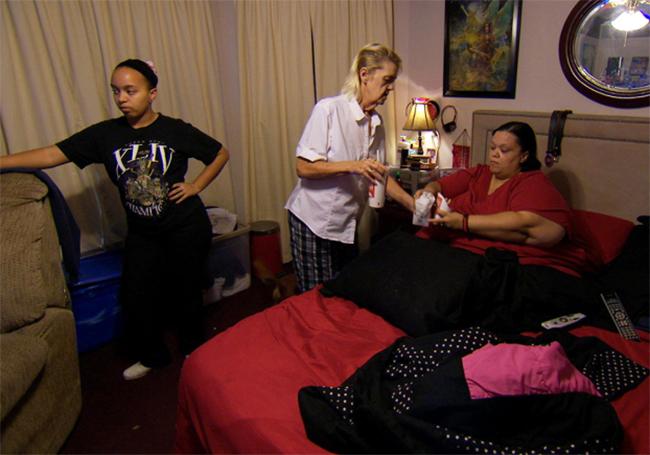 Tara, 36 tuổi nặng đến 275kg với một cuộc sống chủ yếu gắn liền với chiếc giường