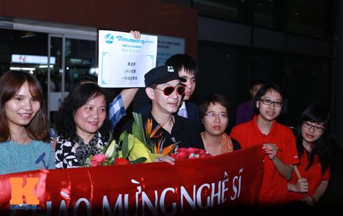 """""""Tôn Ngộ Không"""" làm náo loạn sân bay Nội Bài - 2"""