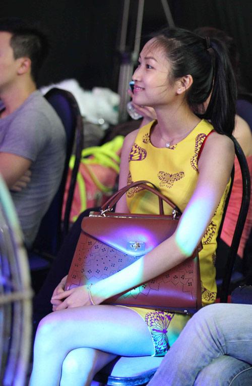Vợ sắp cưới 9x đến ủng hộ Lam Trường - 1