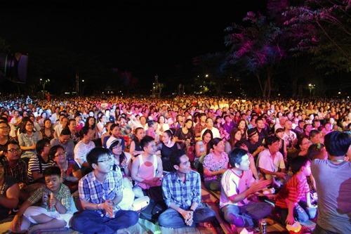 Ngồi bệt nghe 4 thế hệ nghệ sĩ hát nhạc Trịnh - 1