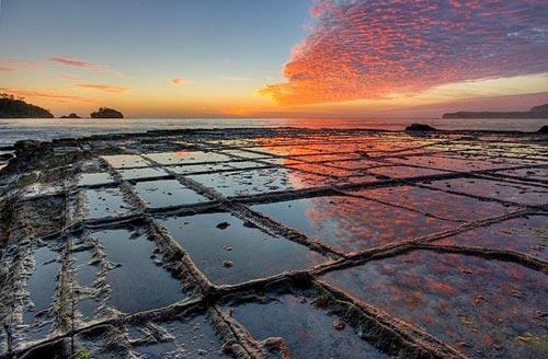 Vỉa hè lát đá ngoạn mục ở hòn đảo Tasmania, Úc - 1