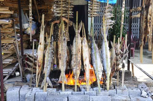 Về Sông Đà ăn cá nướng thơm lừng - 1