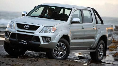 Xe Hilux của Toyota cũng bị lỗi túi khí - 1