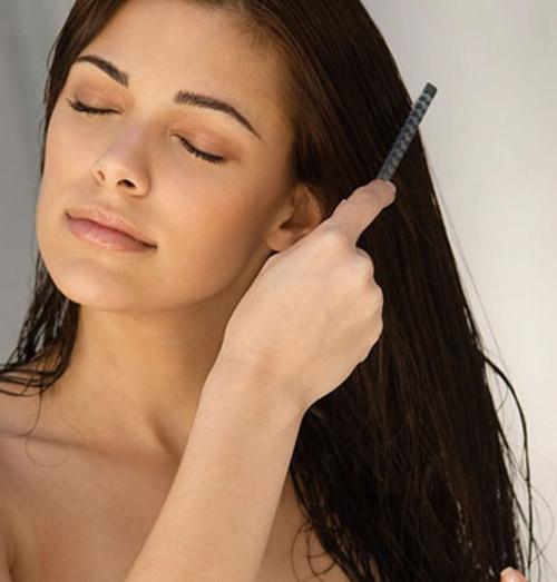 Chải tóc cũng phải đúng cách - 1