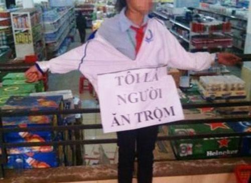 """HS đeo biển """"ăn cắp"""": Phải truy cứu hình sự NV siêu thị - 1"""