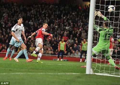 Arsenal - West Ham: Dứt điểm miễn chê - 1