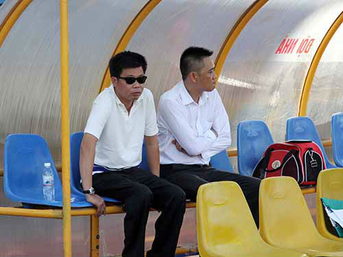 """Vụ bán độ ở V.Ninh Bình: Bầu Trường """"sòng phẳng từng xu"""" - 1"""
