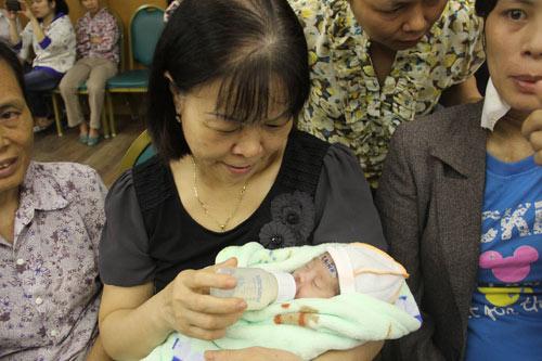 Cứu sống mẹ con sản phụ nhiễm cúm A/H1N1 suy hô hấp - 1