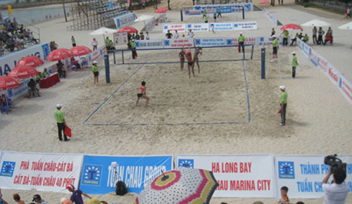 Bóng chuyền bãi biển nữ châu Á: Việt Nam thua đáng tiếc - 1