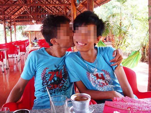 Lại xôn xao đám cưới đồng tính ở Bình Phước - 1