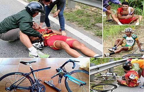 """Giải đua xe đạp """"về Điện Biên phủ"""" 2014: Sự cố đường đèo - 1"""