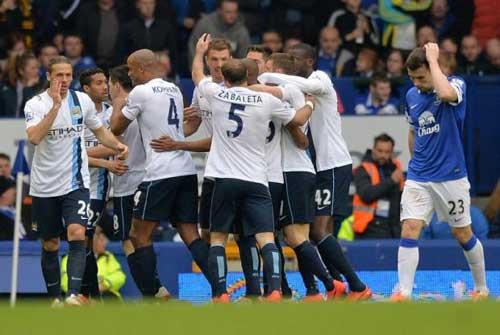 NHA sau V37: Liverpool dâng cúp cho Man City - 1