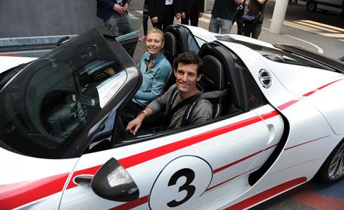 Sharapova và cựu SAO F1 thử cảm giác siêu xe - 1