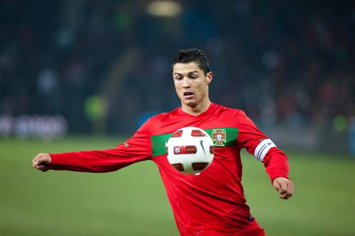 World Cup còn 37 ngày: Ước mơ của Ronaldo - 1