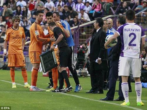 Real lại hòa: Giá như Ronaldo dự bị - 1