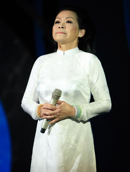 """Khánh Ly: """"Xin cho quê hương mãi bình an"""" - 1"""