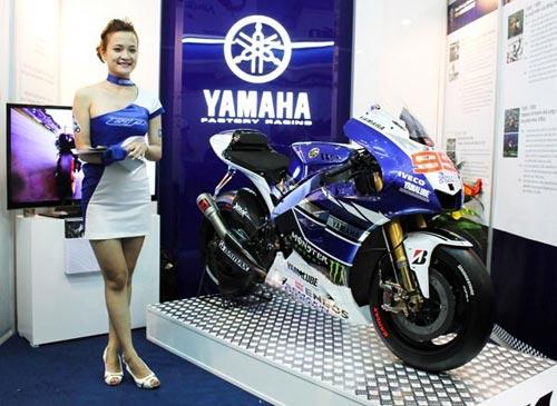 Xe đua Yamaha M1 giá 20 tỷ đồng đến Việt Nam - 1