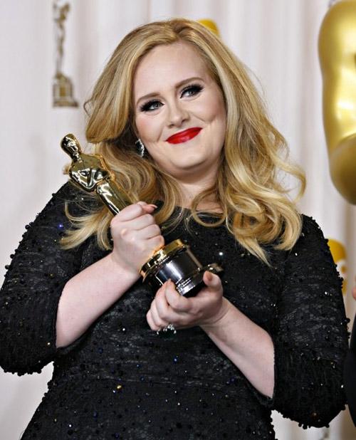 Nghỉ cả năm, Adele vẫn là ca sĩ giàu có nhất nước Anh - 1