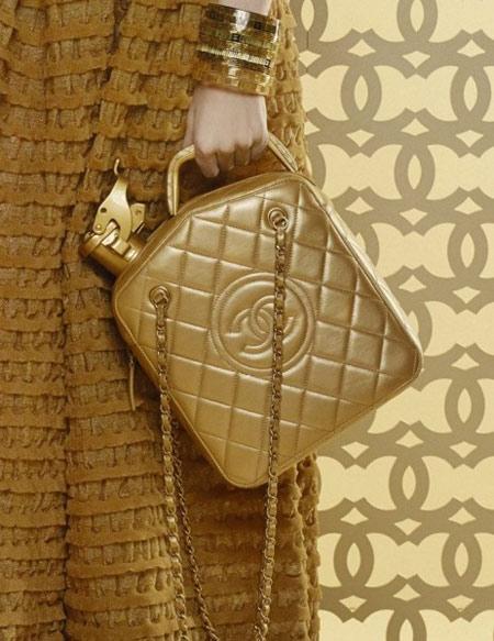 """Những chiếc túi """"siêu khùng"""" của Chanel - 1"""
