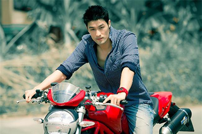 Johnny Trí Nguyễn cho hay, anh thường sử dụng chiếc mô tô này để đi chơi hoặc sử dụng làm phương tiện trong các bộ phim hành động của mình