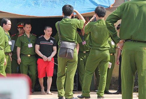 """Thực nghiệm hiện trường vụ """"án oan Nguyễn Thanh Chấn"""" - 1"""