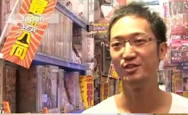Chàng trai đến từ Nhật Bản - Masanobu Santo đã đạt kỷ lục khi có thể 'tự sướng' trong vòng 9 tiếng 58 phút.