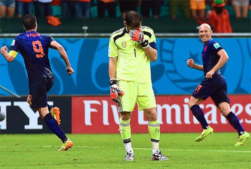 """Maradona """"dìm"""" TBN, đưa Hà Lan """"lên mây"""" - 1"""