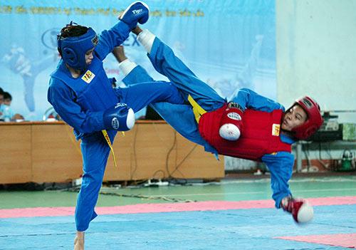 490 VĐV trẻ tranh tài trên sàn đấu Vovinam - 1
