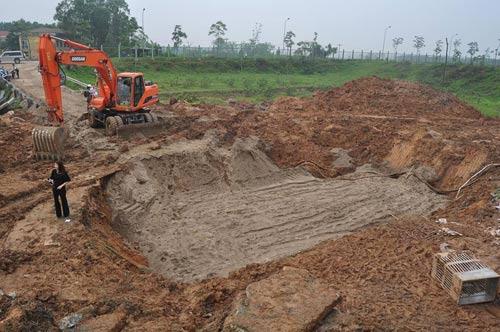 Đường ống lại vỡ, 70.000 hộ dân Thủ đô mất nước - 1