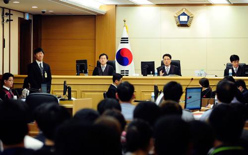 Thủy thủ phà Sewol đổ hết tội cho cảnh sát biển - 1