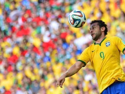 Điểm yếu của Brazil: Số 9 vô hình - 1