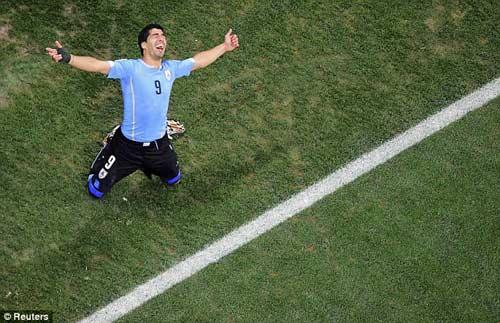 Suarez đổ lệ trong hạnh phúc - 1