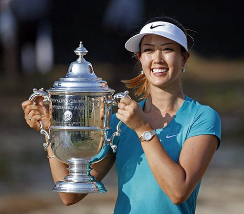 Mỹ nhân gốc Hàn rạng ngời bên cup vô địch US Open - 1
