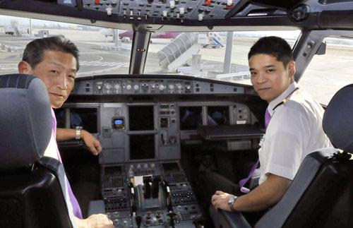 Nhật: Hàng không hỗn loạn vì phi công ồ ạt về hưu - 1