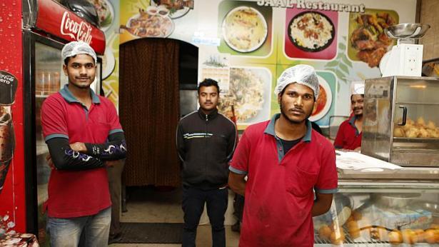 Nhà hàng cho người nghèo ở quốc gia giàu nhất TG - 1