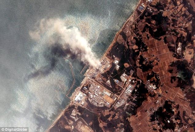 Cảnh tượng ám ảnh trong nhà máy hạt nhân Fukushima - 1