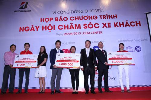 """Ắc quy GS Việt Nam đồng hành cùng """"Ngày hội chăm sóc xe khách"""" - 1"""