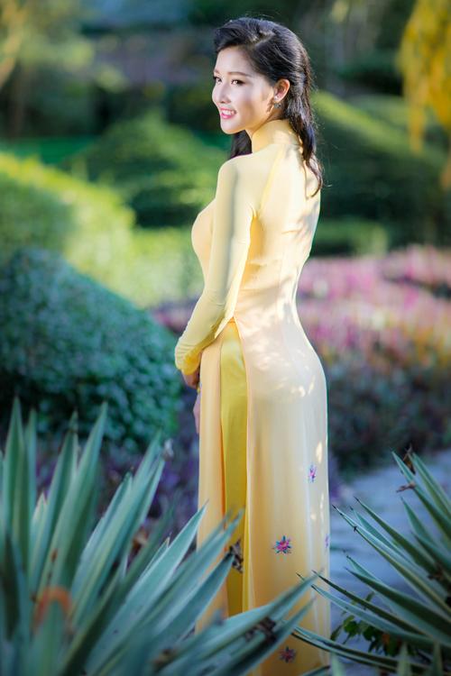 slender-nude-vietnamese-women-hot-bikini-denim-pics