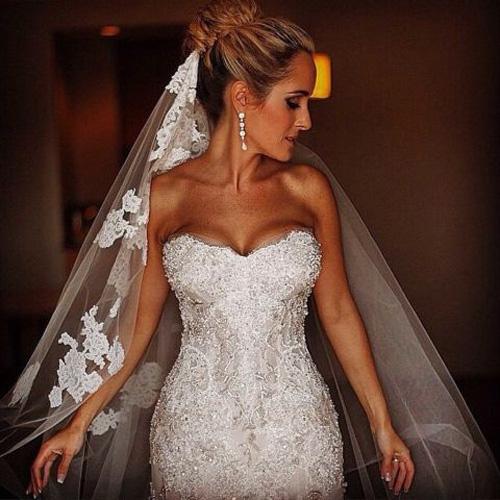 Cô dâu đẹp như nữ thần với 19 mẫu khăn voan diễm lệ - 1