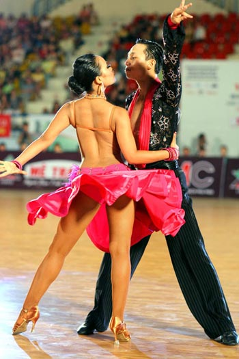 Bóng chuyền bãi biển và dance sports bị loại khỏi SEA Games vì... quá sexy - 1